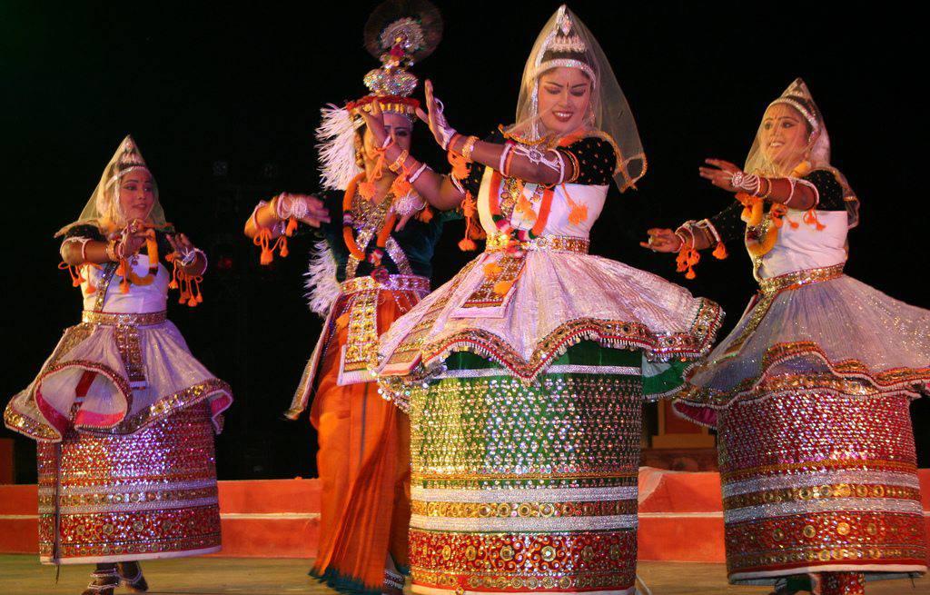 Manipuri Classical Dance, Costume, Origin, History, Style, Images
