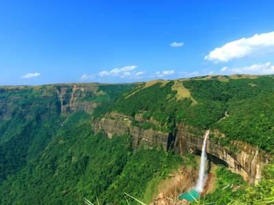 Nohkalikai Falls Cherrapunji Meghalaya