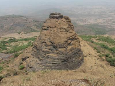 Lingana Pinnacle Raigad Maharashtra
