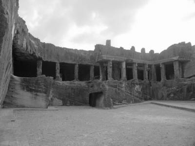 Uparkot Caves