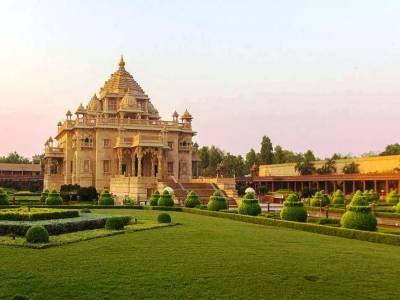 Akshardham Temple in Gandhinagar