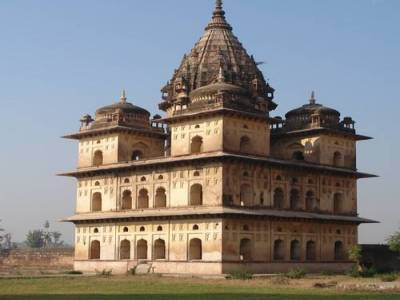 Orchha Fort in Betwa River