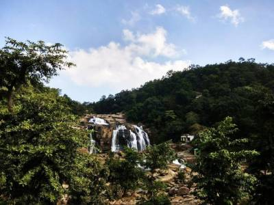 Hundru Waterfall