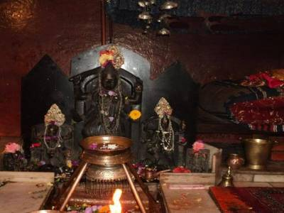 Haat Kalika mandir Gangolihat