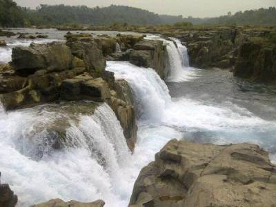 Barak Waterfall in Barak River