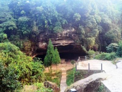 Mawjymbuin Cave Shillong Meghalaya
